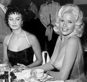 Vintage Sophia Loren at a previous awards show, so bust-ed
